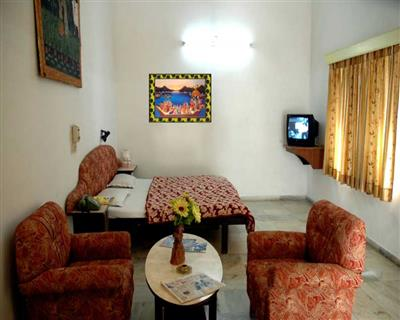 Air Cooled Room, HOTEL SAHELI PALACE UDAIPUR - Budget Hotels in Udaipur