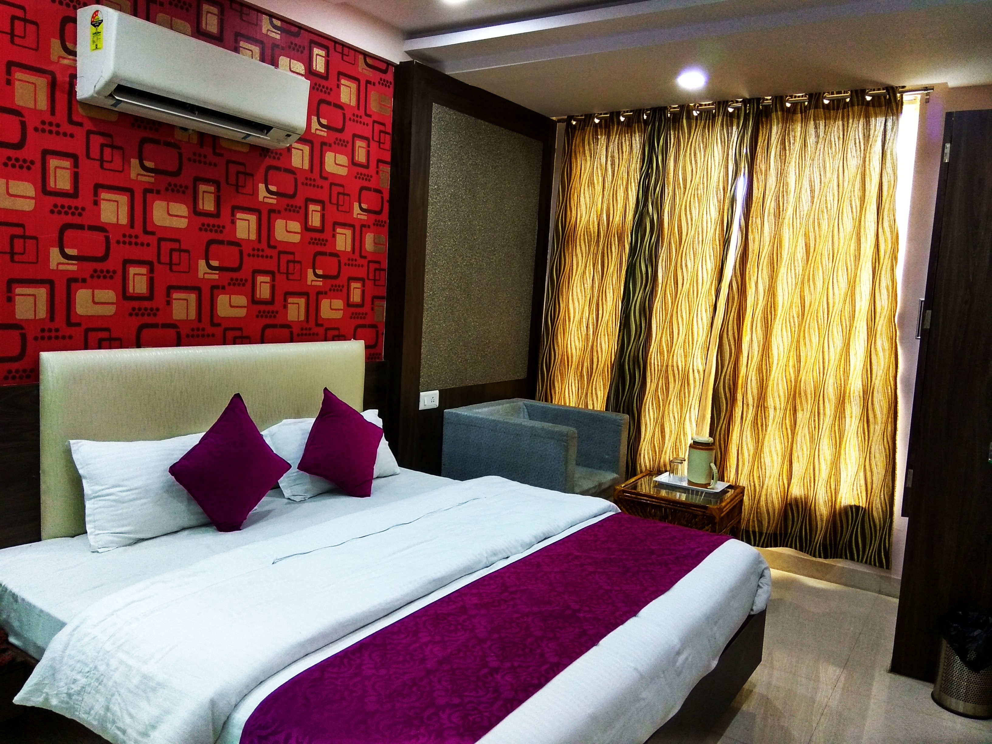 Double Bed Non AC Room, HOTEL AAMANTRAN AVENUE UJJAIN - Budget Hotels in Ujjain