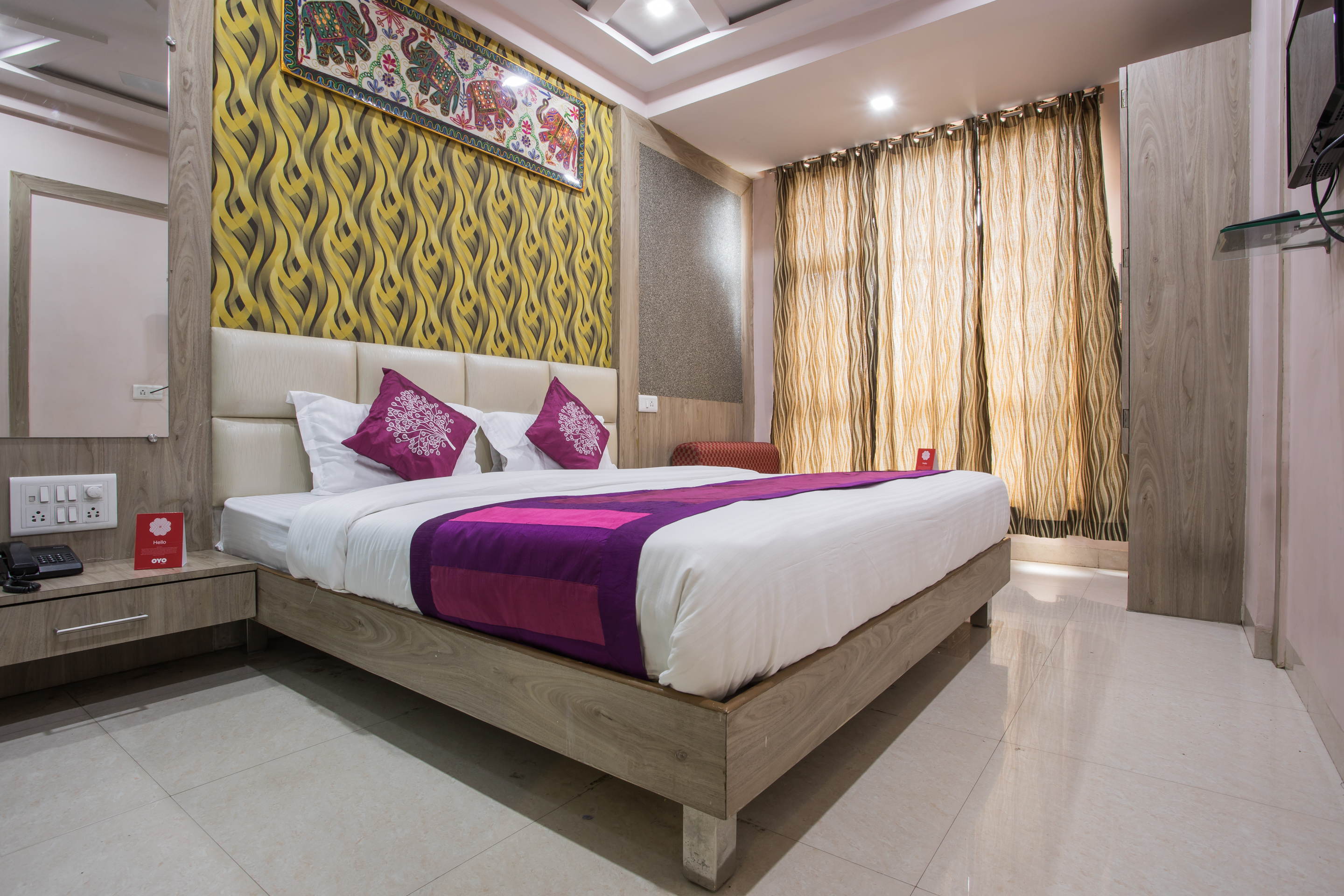 Double Bed AC Room, HOTEL AAMANTRAN AVENUE UJJAIN - Budget Hotels in Ujjain