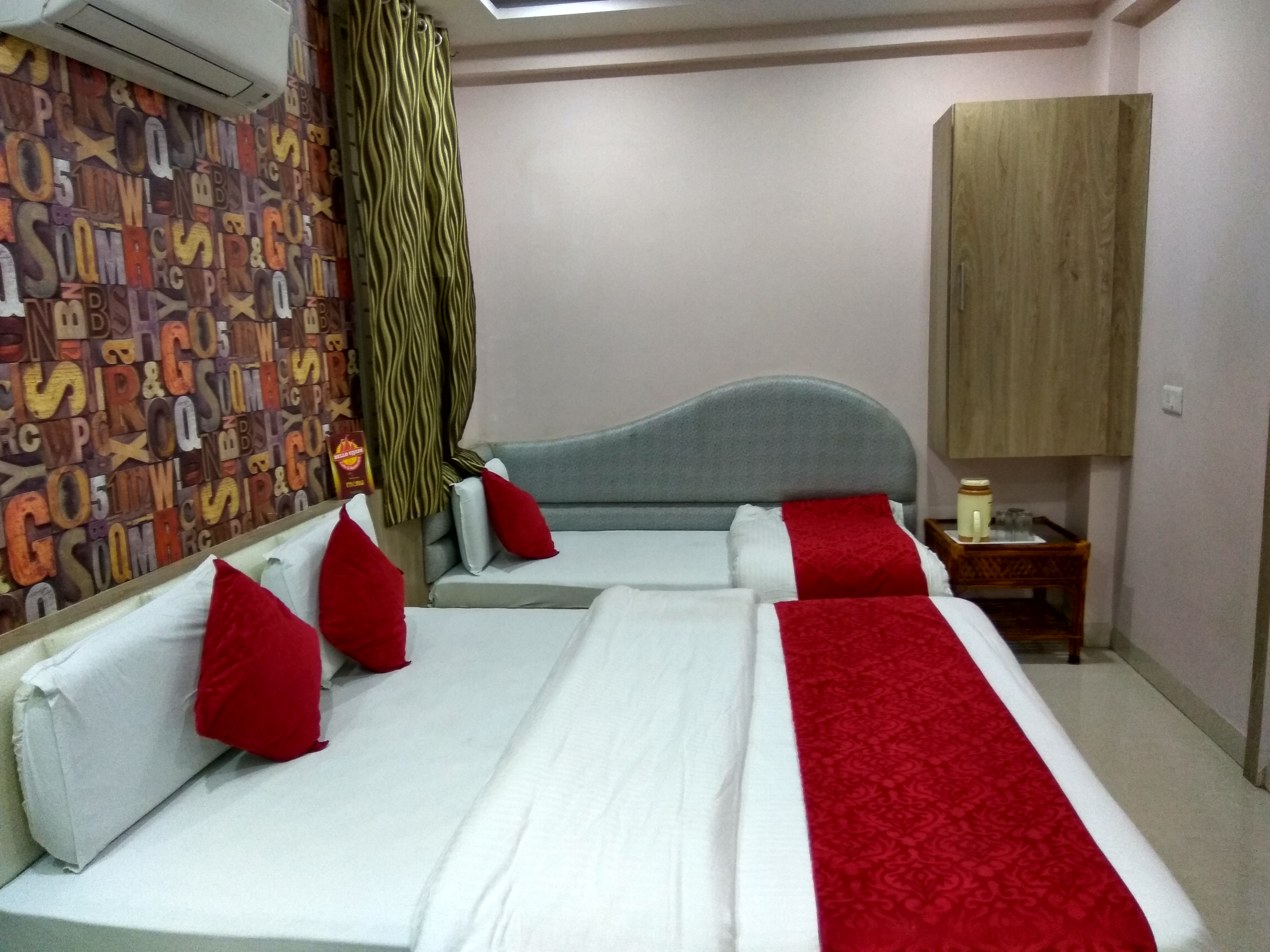Four Bedded Non AC Room, HOTEL AAMANTRAN AVENUE UJJAIN - Budget Hotels in Ujjain