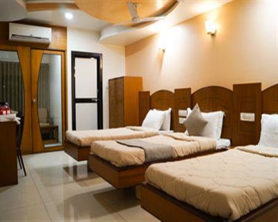 Super Deluxe Room, HOTEL AMBASSADOR VADODARA - Budget Hotels in Vadodara
