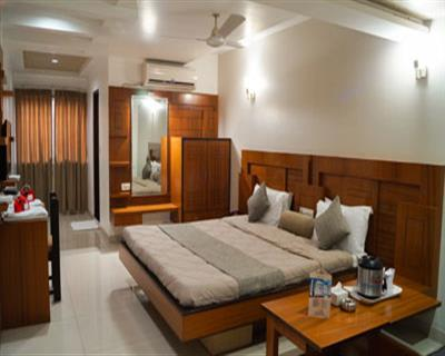 Super Exceutive Room, HOTEL AMBASSADOR VADODARA - Budget Hotels in Vadodara