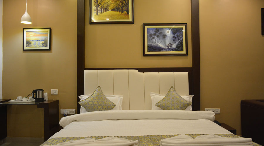 Executive Room, HOTEL RAMESHWARAM VATIKA VARANASI - Budget Hotels in Varanasi