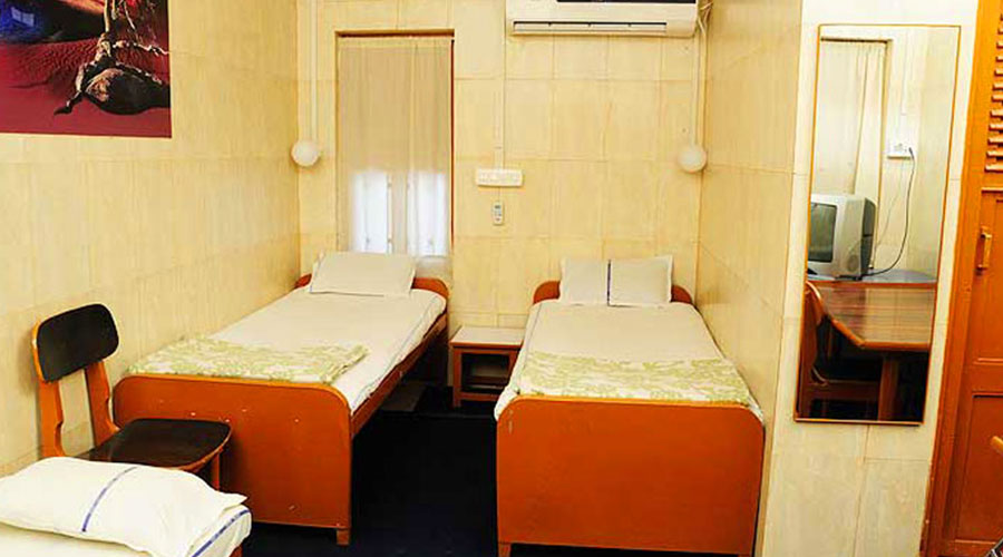 Double Bed AC Room, Hotel Satkar Veraval - Budget Hotels in Veraval