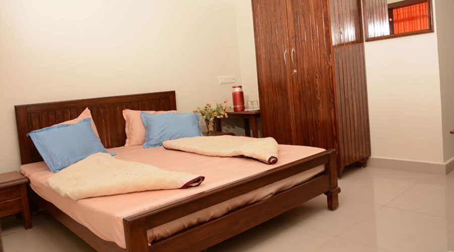 Double Bed Non AC Room, Hotel Satkar Veraval - Budget Hotels in Veraval