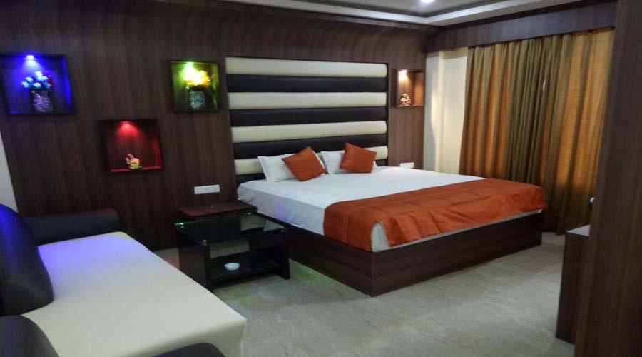 Deluxe Room, The Majestic Crown - Budget Hotels in Zirakpur