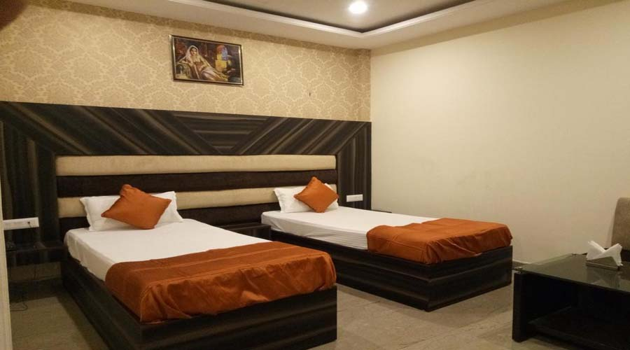 Executive Room, The Majestic Crown - Budget Hotels in Zirakpur