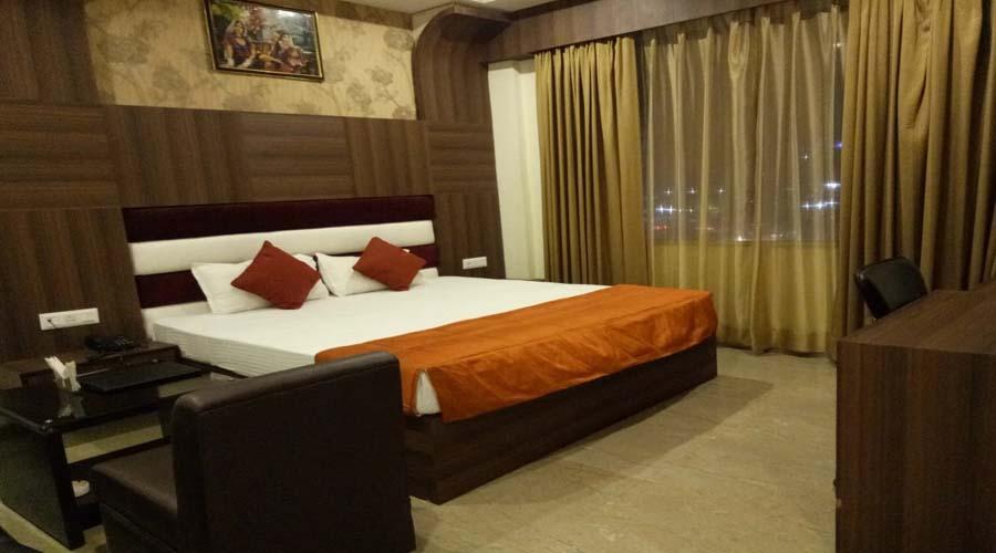 Super Deluxe Room, The Majestic Crown - Budget Hotels in Zirakpur