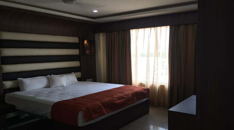 Suite Room, The Majestic Crown - Budget Hotels in Zirakpur